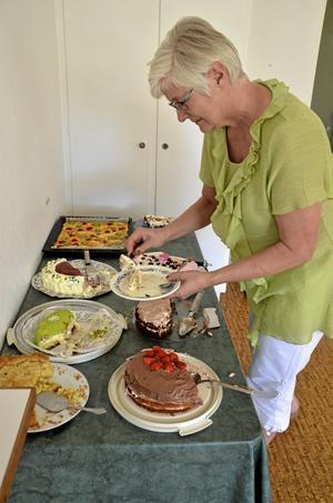 Eva Sahl var en av mödrarna som firades med tårtbuffé i skolbyggnaden i Tived på Mors dag.
