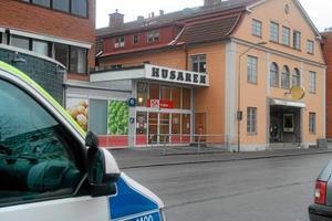 När polisen kom till Ica-butiken i november fanns gärningsmannen kvar på platsen och angav sig själv.