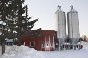 Fjärrvärmeverket i Bergsjö byggdes till 2006 för drygt fem miljoner kr. Levererar värme till 45 fastigheter.