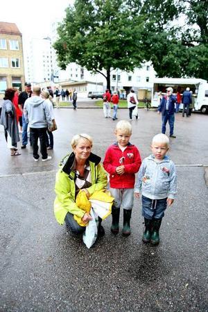 Miljömedveten. Ingmarie Wester handlar gärna ekologiskt. Här med bonusbarnbarnen Edvin, fem år och Herman, tre år.