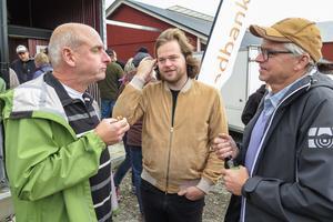 Arkivbild. Bröderna Hans och Per Åsling (C) har ökat på sitt skogsinnehav. På bilden syns också mästerkocken Magnus Nilsson