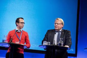 När Finlands försvarsminister Carl Haglund (SFP) framträdde med sin svenska kollega Peter Hultqvist (S) på Folk och försvars rikskonferens i Sälen var det för att betona en nära relation som övergår i praktiskt samarbete.