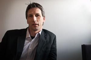 – Vi kanske inte kan locka Microsoft. Men det finns väldigt många andra mindre kända tänkbara kunder, säger Mikael Näsström, Sollefteå näringslivskontor.