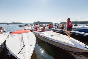 Poker Runn hålls för nionde året i rad med besökare från hela landet. Även om många v besökarna har imponerande båtar beskriver arrangörerna det som ett mer familjärt evenemang,
