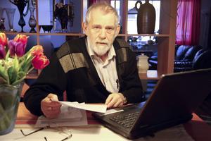 Rolf Eriksson har upptäckt att många han känner har rätt till bostadstillägg, men aldrig söker det.