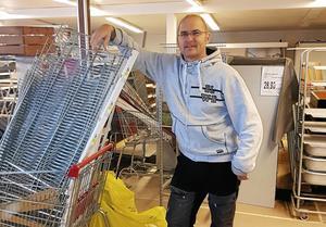 Kim Källs har byggt om den gamla matbutiken i Stora Skedvi. I mitten av november hoppas han  nu kunna öppna dörrarna till den nya.