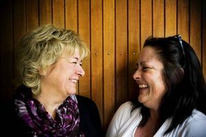 Catarina Persson och Susanne Brunnström har varit vänner i 40 år och nu var det på tiden att de också blev kompanjoner.