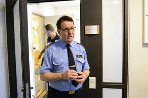 – Vi betraktar hotet som oseriöst. Besluten om utrymning är helt och hållet rektorernas, säger Christer Nordström, presstalesman vid Uppsalapolisen.