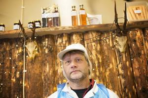 Ingvar Andersson äger Hallvikens Chark och styckning AB tillsammans med sin svåger Mikael Eriksson.