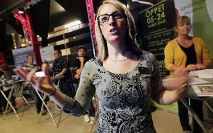 – Det är viktigt att avdramatisera mötet mellan ungdomar och arbetsgivare, säger Annica Hohl, ungdomshandläggare vid arbetsförmedlingen. Foto: Staffan Björklund