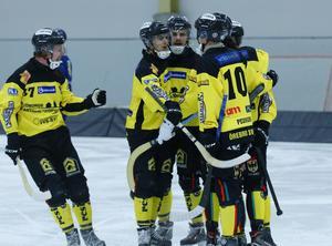 Inte mycket att glädja sig över. ÖSK Bandy kammade noll mot Gripen i Trollhättan.