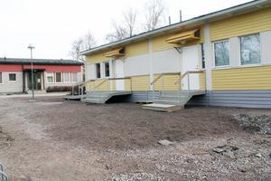 Moduler, liknande den här vid Celsiusskolan i Edsbyn, ska lösa lokalproblemen för förskola och fritids vid Alftaskolan.