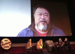 Ai Weiwei kan inte medverka rent fysiskt på Stockholms filmfestival. Men han har skickat en inspelad hälsning som ska visas för festivalpubliken.