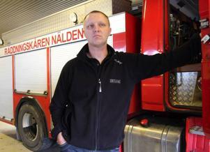 – Under mina tio år som deltidsbrandman har räddningstjänsten i Nälden hotats av nedläggning flera gånger, säger platschefen Anders Ackeflo.