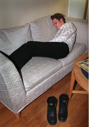 Nej, den här soffan duger inte ens åt en desperat student.