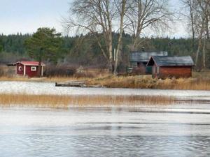 Bilden från Hammerdalssjön där det utpekade området för strandnära byggande ligger i en annan del än på bilden. Andra sjöar där det kan bli aktuellt är exempelvis Ringvattnet, Rudsjö, Jansjö, Ankarvattnet, Björkvattnet, Ströms Vattudal och Tåsjön.