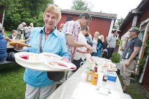 Michell Kielliger kom hela vägen från Holland för att hälsa på sin systerson och fira midsommar.