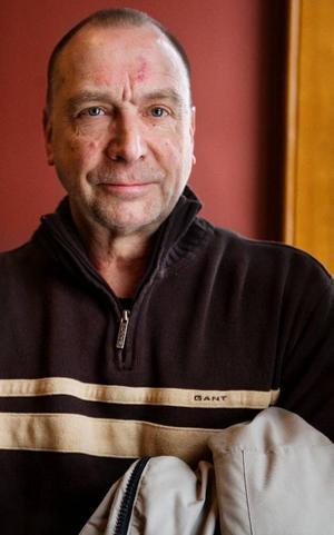 """Under många år har Per Tesch forskat på hur kroppen påverkas av att vistas i rymden. Där lärde han känna Rick – Richard Linnehan. """"När Rick var uppe i rymden i 16 dagar tappade han 9 procent muskelmassa i quadriceps (framsidan på låret, reds anm)"""", säger Per Tesch."""