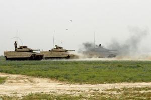 Stridsfordon 9040c rycker ut i Afghanistan.
