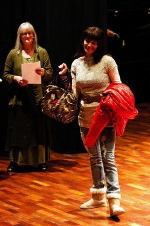Biljetterna till årets modevisning hade en strykande åtgång bland modeintresserade Ångebor.