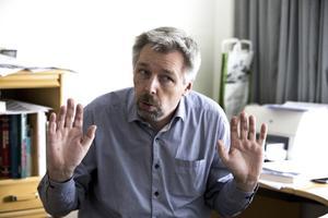 Läkare. Rune Kaalhus intervjuades i samband med VLT:s granskning av vårdcentralernas förskrivning av antidepressiv medicin. Foto: Tony Persson/arkiv