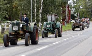 Traktorcruising med åtta ekipage.