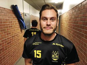 Målvakten David Borvall gör sin första säsong i Vetlanda – men den har inte börjat särskilt bra.