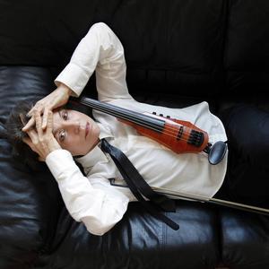 Den mångsidiga konstnären Laurie Anderson kommer till Göteborgs dans- och teaterfestival. Pressbild.