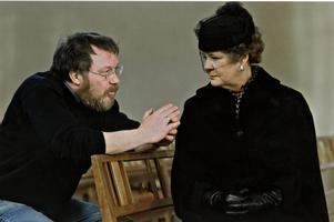 Regissören Lars Molin (1942-1999) och Mona Malm under inspelning av TV-filmen