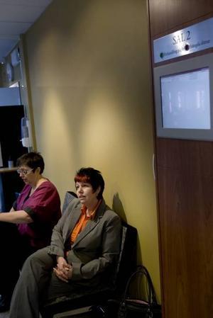 VIKER SIG INTE. Annelen Kusmic sa nej till förlikning och tar striden mot företaget TM Eastview, som hon hävdar använde hot och svek för att få henne att godkänna ett affärsavtal. I bakgrunden hennes juridiska ombud Charlotta Lagnander.
