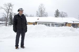 Många i Stråtjära har reagerat på det tomma huset vid vård- och omsorgsboendet Eklunda.