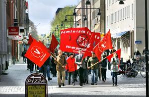 150 personer deltog i Vänsterpartiets och Ung Vänsters demonstrationståg genom Gävle.