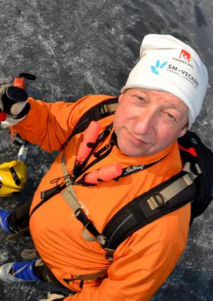 Höromdagen tog Joep Meens vårens sista skridskofärd på Saxvikens is.