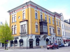 Wikströmska huset i korsningen Esplanaden och Köpmangatan.