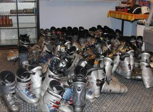 Klubben har fått en hel del begagnad utrustning att ha i sin uthyrningsdel.