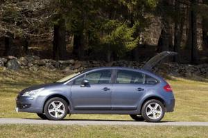 C4 finns med bensinmotorerna 1,4 (90 hk), 1,6 (109 hk), 2,0 (136 hk), 2,0 (141 hk), 2,0 (177 hk), dieseln 1,6 (109 hk) samt med etanoldrift för senare årsmodeller.Foto: Tomas Hägg