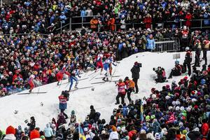 Drömmen för skidskytteorganisationen är fulla läktare, som här, under sprinten på världscupen i Östersund 2014.