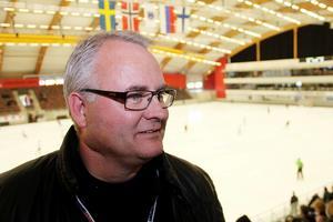 Pär Söderlund är ny klubbchef i SAIK och jobbar för högtryck under World cup med att hinna träffa så många människor som möjligt.