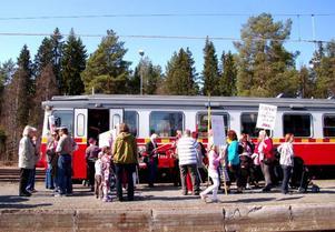 Tåg till förstamajtåget. Socialdemokraterna och LO i Strömsund tåg inlandsbanan till Hoting.Foto: Jonas Ottosson