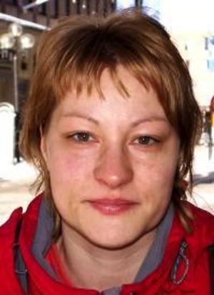 Helena Sjöström, 36 år, Grytan:– Ja det kan vara bra. Det är väl trevligt om vi i Jämtland har en egen dag. Vi är ju lite patrioter.