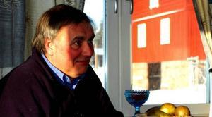 """Andrew Herbert har jobbat med John Cleese hos engelska BBC i London och producerat """"Allå Allå ´ämliga Armén"""" innan han hamnade på TV4 i Östersund."""