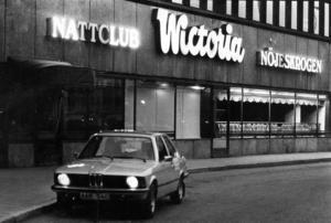 Ibland var det olika teman och här var det byggfest.Wictoria var också populärt på 80-talet, men många i personalen gick på Dollhouze när de var lediga.