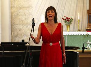 Minneskonsert. Pers Anna Larsson briljerade när hon sjöng Kerstin Thorborgs egna favoriter vid en minneskonsert i Siknäs kyrka. Foto:Lars-Erik Klockar