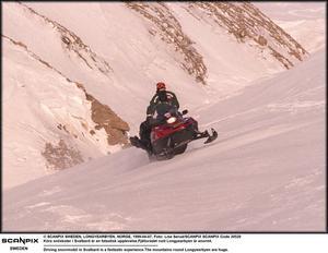 Svårtillgängligt. Moderna snöskotrar kan med förrädisk enkelhet nå fjällterräng som tidigare bara besöktes av alpinister och extrema skidåkare, skriver debattörerna.