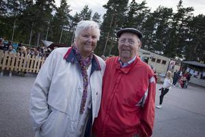 Sture Finnström och Gunny Hansson trivdes.