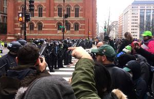 Polis blockerar gatan i Washington.