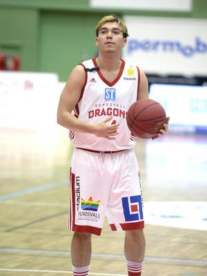 Oskar Granat – en av nyckelspelarna i Orongo. Med 5,5 assists per match är han fyra i assistligan.