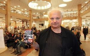 – Palme blev den han blev därför att han verkade i symbios med en oerhört bred folkrörelse, säger Göran Greider.