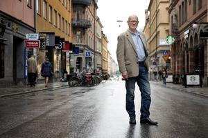 Gert Fylking har varit allt från skådespelare på Dramaten till reporter på TV3, och gjort en dokumentär om misstänkte Palmemördaren Christer Pettersson.