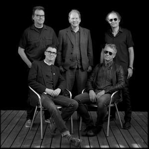 Torsson består av Bo Åkerström, Michael Sellers, Thomas Holst, Dan Persson, Rikard Swärdh.